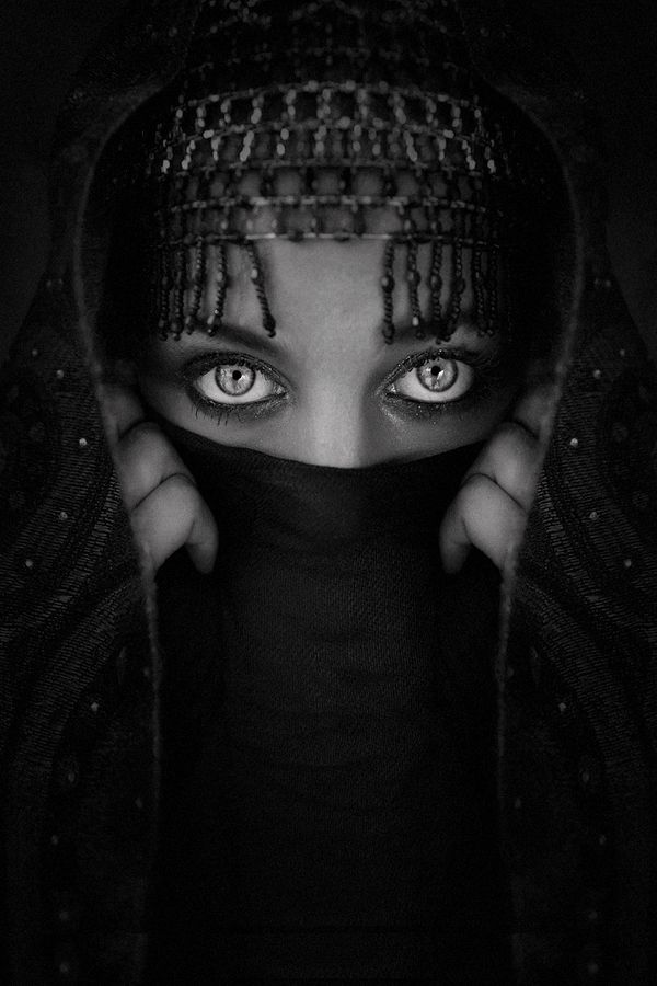 : Photos, Stunning Eye, White Photography, Donel Gumiran, Beautiful, Art Faces, Black White, Photography People, Eyesth Window