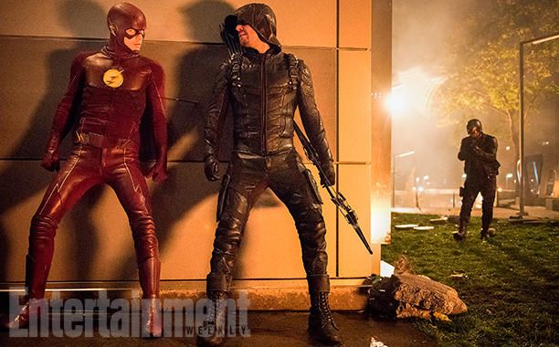 First Look at DC's Ultimate Superhero Crossover! #Arrow #TheFlash #Supergirl #LegendsofTomorrow