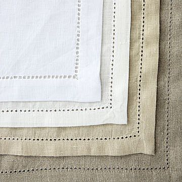 There is nothing more suitable to me than hemstitched linen table linens.