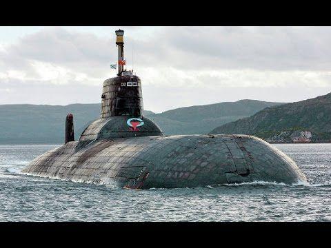 """Тяжелый подводный ракетный крейсер проекта 941 """"Акула""""."""