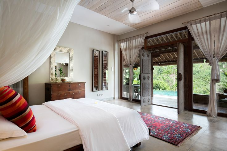 Downstairs bedroom en-suite, just step out to the pool.