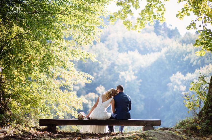 Summer bridal photo shoot. Letnia sesja plenerowa w Ojcowskim Parku Narodowym. Fotograf ślubny Kraków http://annarenarda.com/