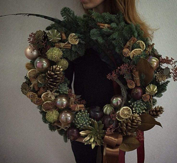 Потрясающие зимние венки от студии Flowerslovers
