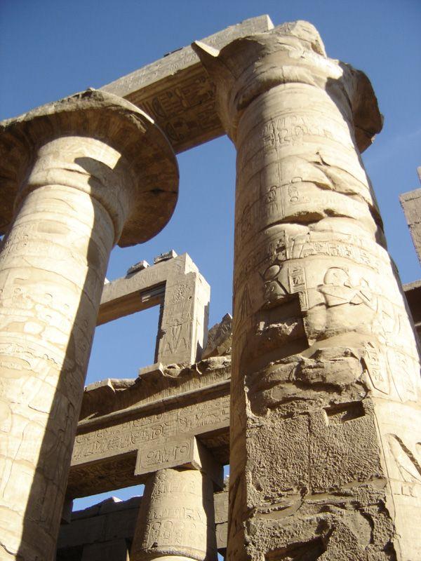 colonnes du temple de Karnak, Louxor, Egypte