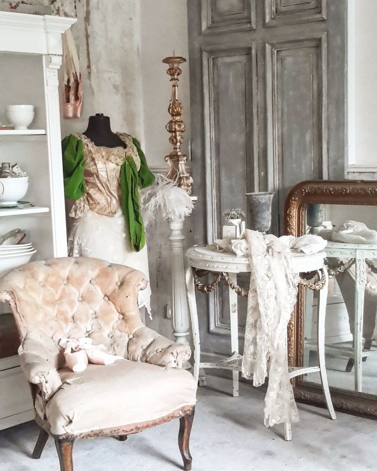 shabby atelier brocante charmante white and vintage pinterest shabby and atelier. Black Bedroom Furniture Sets. Home Design Ideas