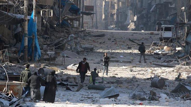 Di Aleppo Rezim Rebut 6 Distrik 10 Ribu Warga Eksodus Regu Penyelamat: Ini Bencana Besar  ALEPPO (SALAM-ONLINE): Pasukan rezim Basyar Asad merebut kembali enam distrik yang dikuasai kelompok oposisi di timur Aleppo dalam operasi sepanjang akhir pekan. Perebutan enam distrik diikuti eksodusnya 10 ribu warga sipil.  Observatorium untuk HAM Suriah (SOHR) yang berbasis di Inggris menyebutkan pada Ahad (27/11) malam hampir 10.000 warga sipil telah melarikan diri dari wilayah timur Suriah. Sekitar…