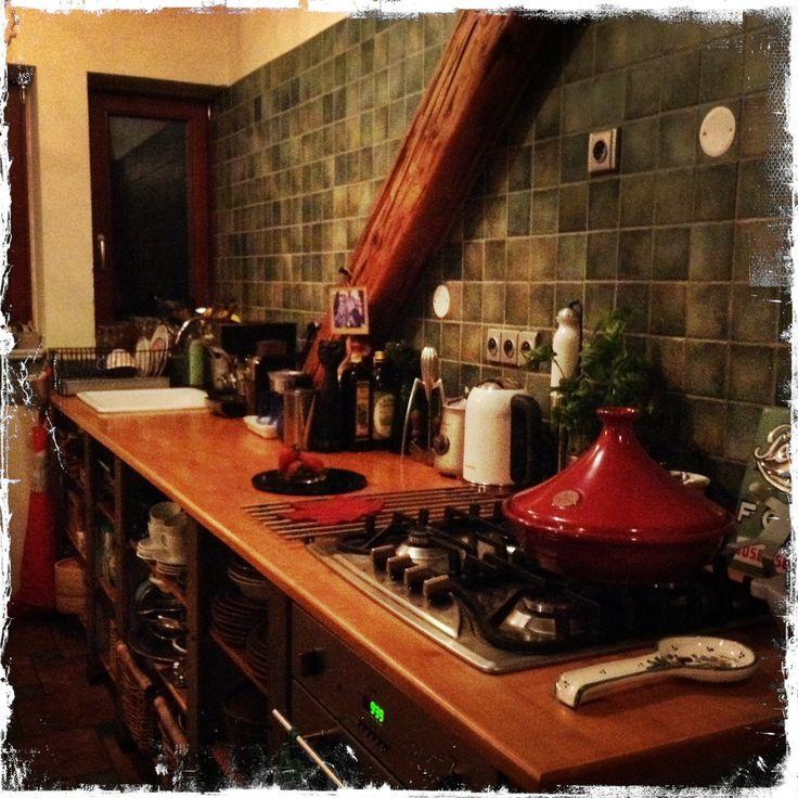 Naše kuchyně se nápadně podobají....svoboda bez zbytečných šuplíků a dvířek....a taky styl vaření převážně zeleninových bezmasých pokrmů. http://malehryblog.tumblr.com/