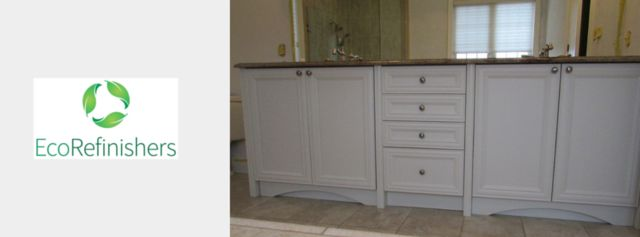 Bathroom refinished by EcoRefinishers. For a free quote email pictures to sales@ecorefinishers.com