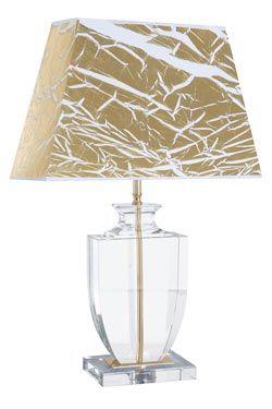 Lampe Versailles Or en verre optique Lampe avce un abat-jour blanc décor or en forme pyramide et métal laitonné - Le Dauphin #lightings #luminaire #lampe #ledauphin #vraimentbeau #paris #madeinfrance