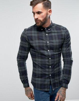 Compra Camisa ajustada azul marino con estampado de cuadros de ASOS en ASOS.  Descubre la moda online.