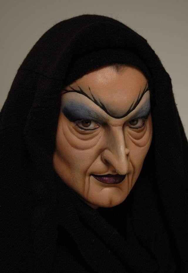 halloween schminke-böse hexe von schneewittchen-gruselig-schiefe nase