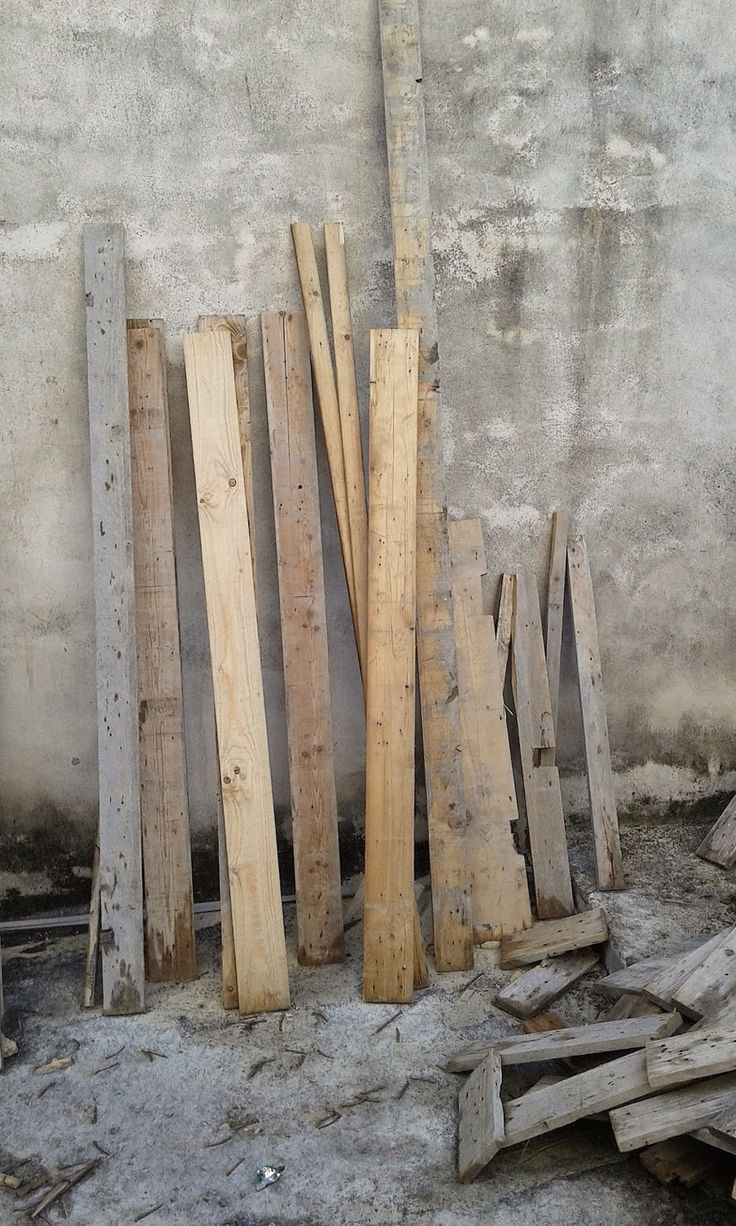 ClothesPeggS: Wood against a wall