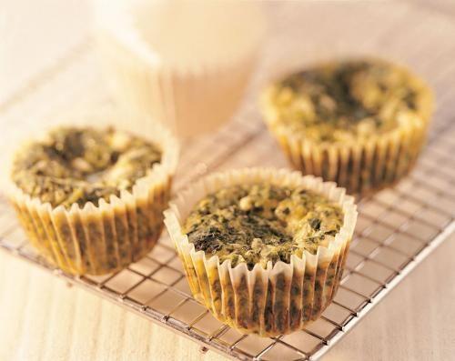 Minifrittatas aux épinards et au fromage