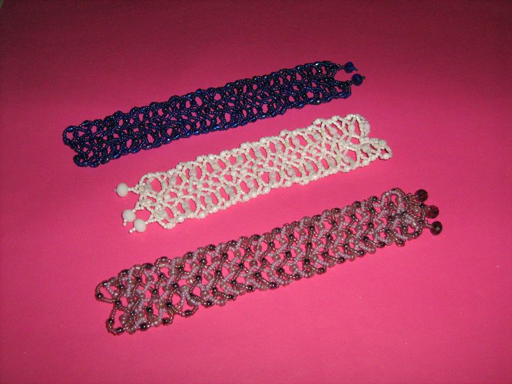 Bracelets , netting technic . I know,the background color isn't the best ..:P