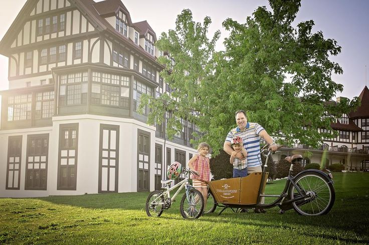 Bike rentals at the Algonquin Resort is one of our many special touches. Guests can borrow a resort bicycle and grab a trail map to see the St. Andrews area from a whole new perspective.