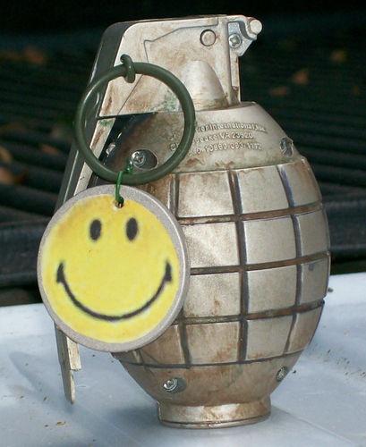 BATTLEFIELD BAD COMPANY GRENADE REPLICA w/Smiley Tag! Battlefield Game Replica