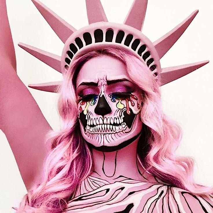 Visagistin Vanessa Davis alias Skulltress hat sich spezialisiert auf sehr ausgefallenes Make-up. Gruselig, aber trotzdem farbenfroh und oft mit viel…