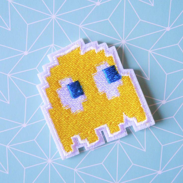 #Patch #Fantôme #PacMan #jaune - #Ecusson Pac Man - Patch #jeux vidéo #vintage - Patch #Geek #rétrogaming - Patch #cartoon #Tissu #fabric #couture #sewing par #PicEtPatchEtColegram sur #Etsy https://www.etsy.com/fr/listing/533497952/patch-fantome-pacman-jaune-ecusson-pac