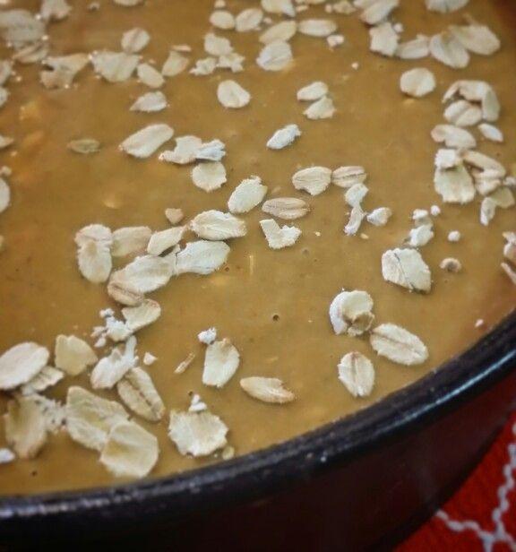 Torta integrale con fiocchi d'avena, pronta per essere infornata!