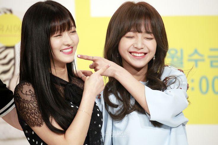 Oh My Girl Yooa & Kim Sohee