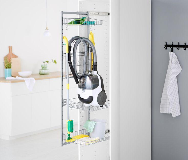 die besten 25 besenschrank ideen auf pinterest staubsauger vakuum einbauschrank ber eck und. Black Bedroom Furniture Sets. Home Design Ideas