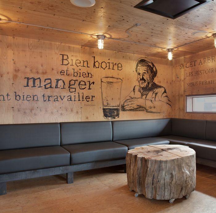 Restaurant and Bar Design Awards - fondo como para intervenir la pared larga?