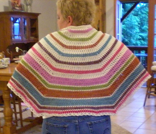 Elger Bay Shawl, free pattern by Anastasia Roberts.  Five wedges give full coverage, no point dangling at the back.  Fast, easy pattern suitable for beginners.    Good for wheelchair patients.  #crochet
