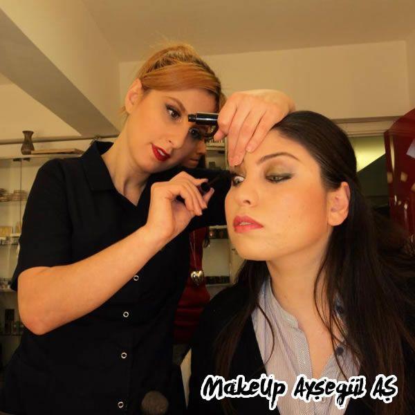 Profesyonel Makyaj, Kalıcı Makyaj, Sahne Makyajı, Kaş Tasarımı, Medikal Makyaj Uzmanı ve Makyaj Eğitmeni Ayşegül AŞ  #aysegulas #ayşegülaş #makeup #eyeliner #dipliner #gözkalemi #kalemçekme #eyelinerdipliner