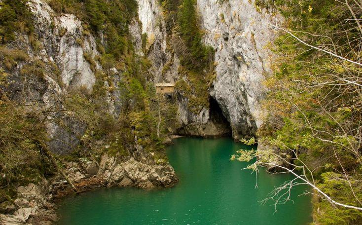 Cheile Orzei, Lacul Scropoasa, Romania.
