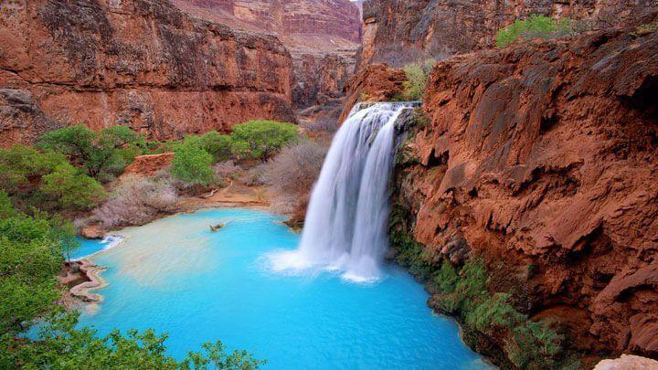 La chute d'eau Havasu Falls, Parc national du Grand Canyon, Etats-Unis