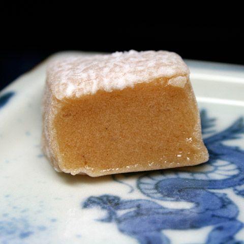 Wagashi: Walnut Gyuhi Mochi with Cinnamon  百万遍かぎや 益寿糖