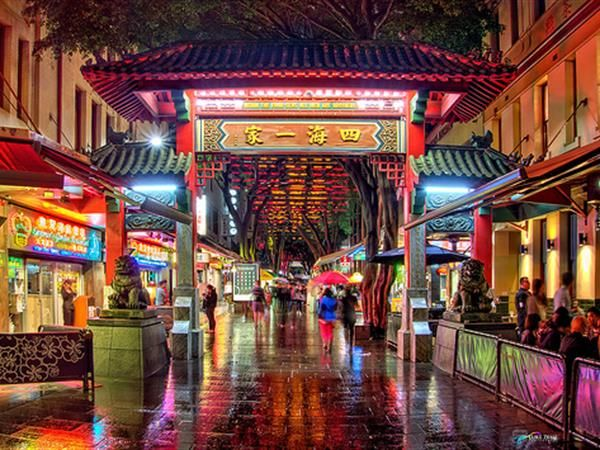 Visiting Chinatown in Sydney can be an exciting and rewarding experience for any tourist.   You can find some of the best Chinese culture right in this neighbourhood. Offering some of the very best festivals, shops, history, and the food in Chinatown is some of the best you will see outside of Asia.