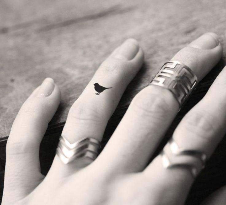 261 best tatouage femme women tattoo images on pinterest - Tatouage doigt signification ...