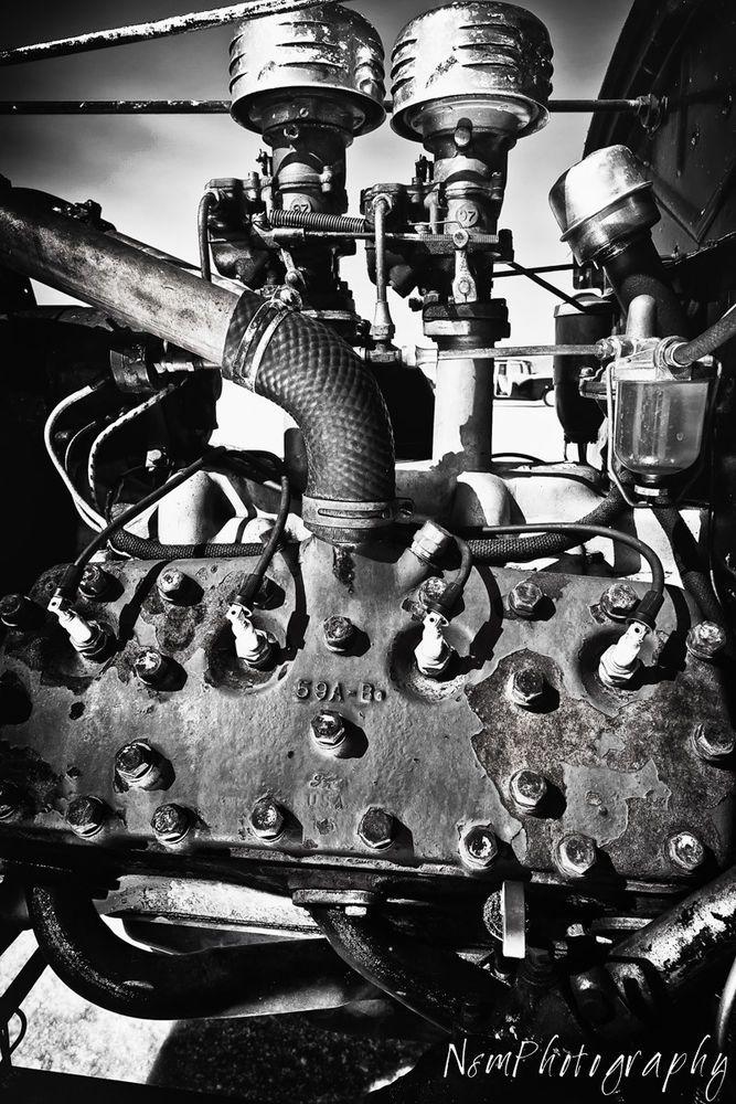 12x18 in B/&W Poster Vintage Buick Nailhead Engine Garage Art Man Cave Decor
