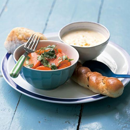 にんじんのサラダ/コーンスープ