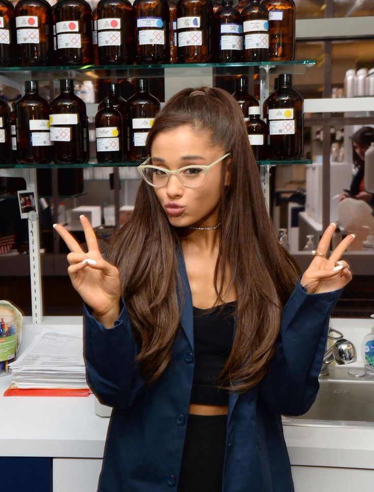 """""""Hey I'm Princess Ariana Butera of Italy""""I smile""""most people call me Ari. Im 19 and single. I love singing, acting, and modeling. I love being a princess. Cameron is my brother. Come say hi!"""