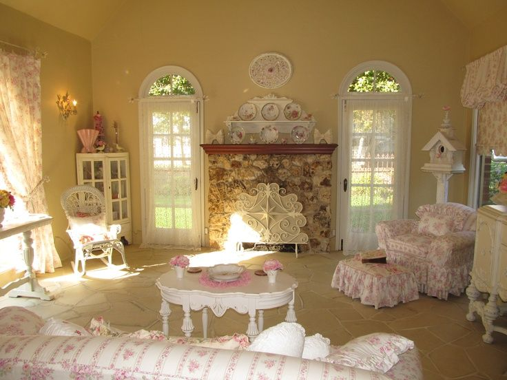 Brown And Pink Shabby Chic Living Room Decor Living Room My Dream Livingroom Pinterest