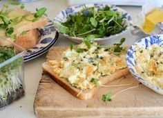Celebrating Britains Most Famous Snack - The Sandwich! Egg and Two Cress Sandwich Recipe – More at http://www.GlobeTransformer.org
