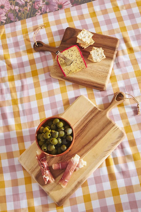 This acacia wood cheese board is petite enough for toting along in your picnic basket, so you can set up an elegant *al fresco* meal to remember. Fresco, Picnic Essentials, Wood Texture, Acacia Wood, Paddle, Furniture Decor, Deserts, Boards, Yummy Food