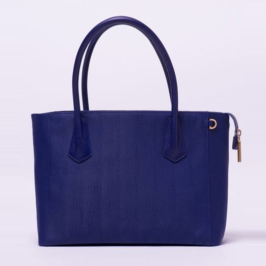 Dagne Dover 'The Tote' #rankandstyle http://www.rankandstyle.com/top-10-list/best-summer-work-bags/dagne-dover-the-tote-2/