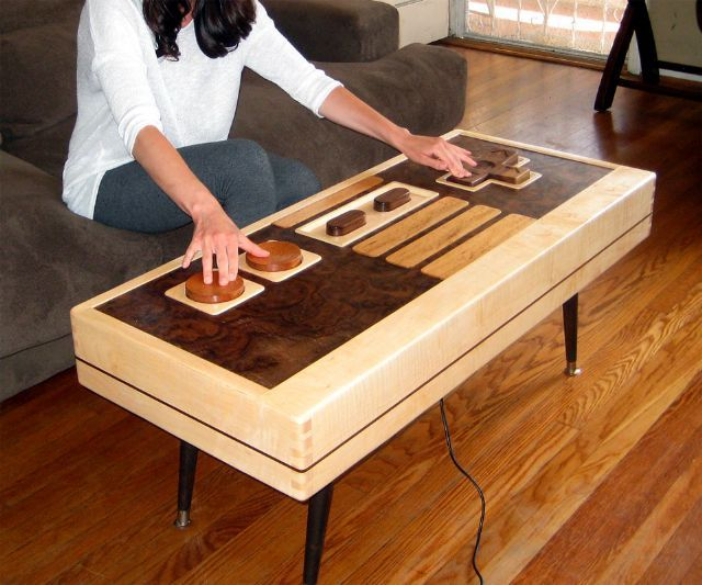 working nintendo table, yes please.Coffe Tables, Coffee Tables, Nintendo Control, Games Room, Control Coffee, Functional Nintendo, Carpenter Planes,  Woodworking Planes, Tions Control