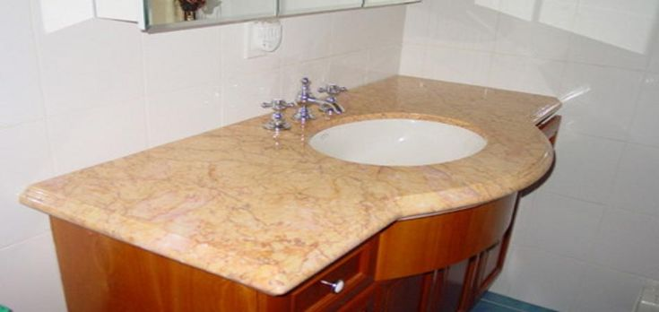The granite vanity tops are an ideal solution when there is the need to recreate contexts pleasing, pleasant and welcoming, but also when there is no intention to devote special time to clean the property. Granite is, in fact, an element that allows maximum simplicity and practicality of use.
