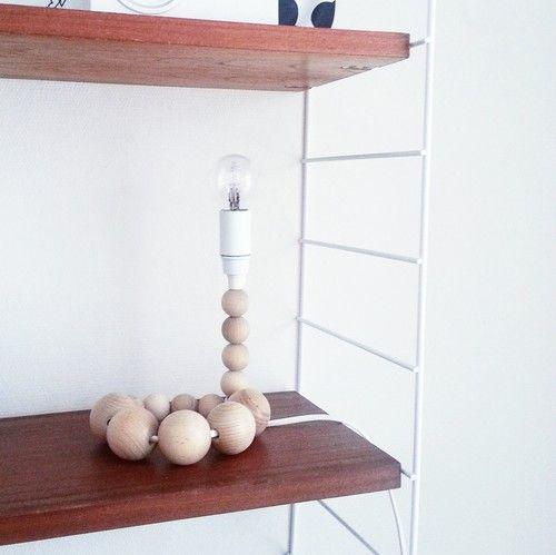 Pyssel/Diy - lampa av träkulor