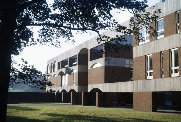 Falmer House, University of Sussex, 1964-1966, Architects: Sir Basil Spence and Partners. Via www.basilspence.org.uk