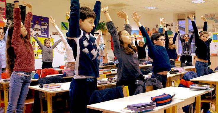 """Dans plusieurs pays la """"pleine conscience"""" est entrée dans les salles de classes, cette technique de méditation améliore le bien-être et les résultats."""
