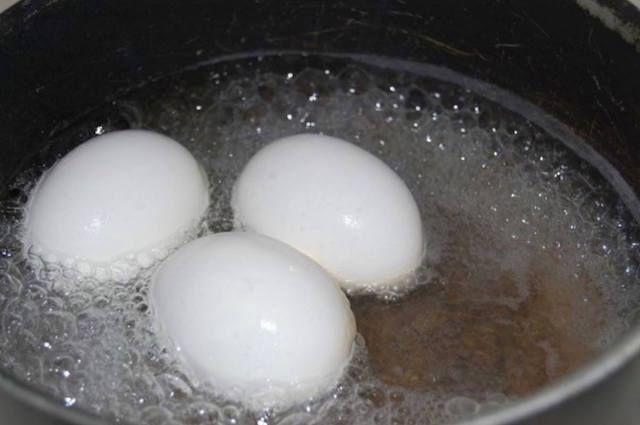 Чтобы контролировать уровень сахара в крови — вам понадобится всего одно варенное яйцо! Вы будете поражены результатами своих анализов!
