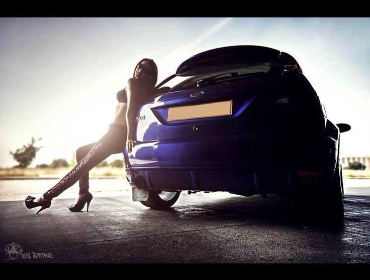 Ford Focus RS mk1 Imperial Blue & Girl