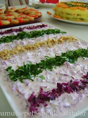 Cevizli Mor Lahana Salatası