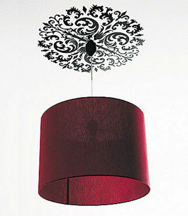 wohnideen wohnzimmer beleuchtungsideen roter kronleuchter stoff