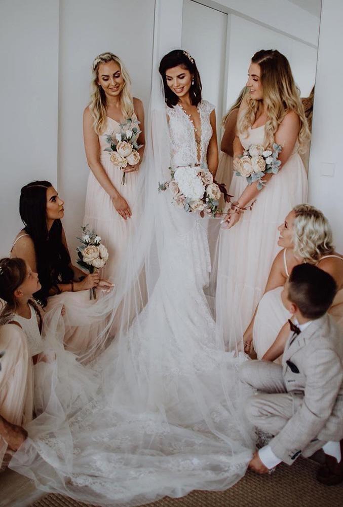 100 Must Have Wedding Photos Ideas Gallery Tips Wedding Photos Wedding Photography Styles Glamorous Wedding